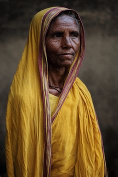 Old Man Portrait, Portrait Art, Figure Photography, Portrait Photography, Indian Art Paintings, Abstract Paintings, Tribes In India, Indian Colours, Real Beauty