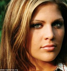 LADY ANTEBELLUM. Was told I look like her... I don't know but I like her hair color