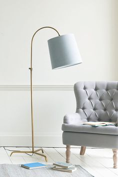 22 Velvety Blues & Summer Hues for Special Summer Preparation - TopDesignIdeas Free Standing Lamps, Floor Standing Lamps, Floor Lamp, Bedside Lighting, Ideal Home, Room Inspiration, Dressing Rooms, Flooring, Décor Ideas