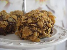 Bu tarifi kuzenim Sevim`den aldim. Sagolsun nerdeyse her cuma yada cumartesi bize dokturuyor. Bu kurabiyeleride onda yedim ve hemen tarif...
