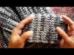 How to knit the 1-row repeat scarf: a Knittycat's Knits tutorial - YouTube