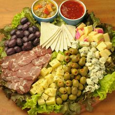 Light Appetizers, Appetizers For Party, Appetizer Recipes, Meat And Cheese Tray, Charcuterie And Cheese Board, Meat Trays, Easy Cooking, Cooking Recipes, Healthy Recipes