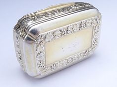 """GEORGE-III-SILVER-GILT-SNUFF-BOX-LONDON-1814 The makers mark is """"T.P R.M"""" Thomas Pemberton & Robert Mitchell, who worked in partnership from 1813-1819."""