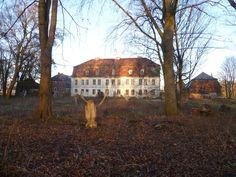 Panoramio - Photo of Kreckow, Gutshaus