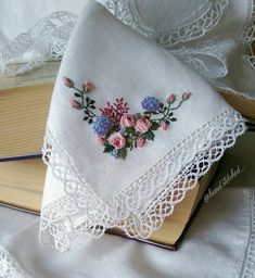 Modern Embroidery, Embroidery Dress, Ribbon Embroidery, Embroidery Patterns, Brazilian Embroidery, Ribbon Work, Hand Stitching, Needlepoint, Wedding Gifts