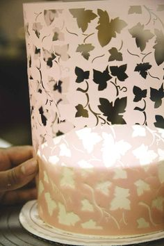 How To Decorate A Cake - Cake Decorating Tips