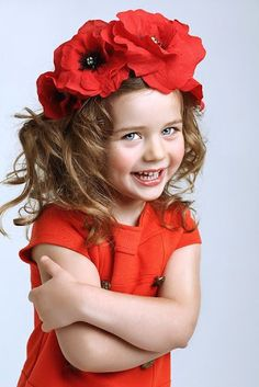 (Even if this is from a Russian site it seems. poppy vinoks are a Ukrainian tradition which began in Ukraine well before it did in Russia! Precious Children, Beautiful Children, Beautiful Babies, Girl Photography, Children Photography, Cute Kids, Cute Babies, Flower Crown Hairstyle, Foto Art