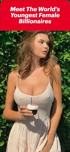 Viral Trend, Young Female, Clothing Hacks, Celebrity Outfits, Sexy Hot Girls, Women Swimsuits, Pretty Woman, Sexy Women, Celebs