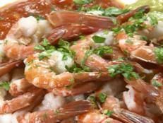 Get Shrimp Cocktail with Guacamole Recipe from Cooking Channel Shrimp Ceviche, Ceviche Recipe, Guacamole Recipe, Food Network Recipes, Cooking Recipes, Healthy Recipes, Healthy Snacks, Cooking Channel Shows, Lasagna Ingredients