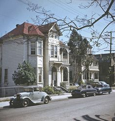George Mann's Bunker Hill photographs are now available, exclusively from this site. Bunker Hill is a lost Los Angeles neighborhood, and On Bunker Hill is a memorial website that was born ove… Los Angeles Area, Downtown Los Angeles, California History, Southern California, Vintage California, California Usa, Bunker Hill Los Angeles, Cities, Los Angeles Neighborhoods