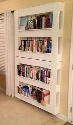 30 DIY Wooden Pallet Projects--BED FRAME, BOOKCASE AND PATIO FURNITURE Unique Home Decor, Home Decor Items, Diy Home Decor, Pallet Storage, Pallet Shelves, Diy Storage, Storage Ideas, Storage Shelving, Book Shelves