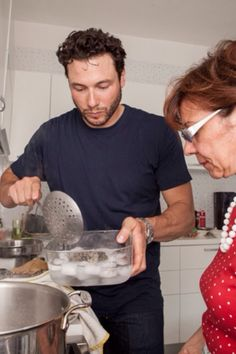 Rocco DiSpirito's (@roccodispirito) Story on Steller Baked Clams Recipe, Now Eat This, Rocco Dispirito, Little Neck Clams, Clam Recipes, Cooking With Olive Oil, Roasted Red Peppers, Bread Crumbs