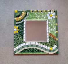 Mosaic Tray, Sea Glass Mosaic, Mosaic Pots, Stained Glass Birds, Mosaic Wall Art, Mirror Mosaic, Mosaic Tiles, Fused Glass, Tile Crafts