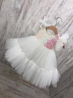 Your place to buy and sell all things handmade, Girls white sequins big bow dress easter dress pageant Frocks For Girls, Little Girl Dresses, Flower Girl Dresses, Kids Dress Wear, Kids Gown, Baby Frocks Designs, Kids Frocks Design, Birthday Girl Dress, Birthday Dresses