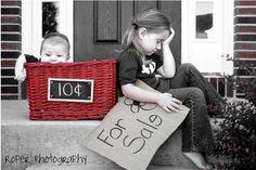 What a cute sibling photo idea.