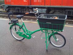 I neeeeeeed this one too. With an extra child seat in the box. Filibus transportcykel - De Fietsfabriek