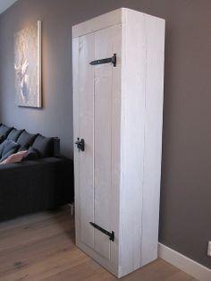 Baby kledingkast afgewerkt met witte beits | Steigerhout | Te koop bij w00tdesign | Flickr - Photo Sharing!