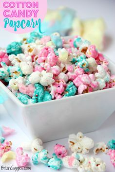 Candy Popcorn Cotton Candy Popcorn - Candy coated popcorn recipe with sprinkles and real cotton candy pieces!Cotton Candy Popcorn - Candy coated popcorn recipe with sprinkles and real cotton candy pieces! Candy Coated Popcorn Recipe, Candy Popcorn, Flavored Popcorn, Gourmet Popcorn, Sweet Popcorn Recipes, Rainbow Popcorn, Pink Popcorn, Popcorn Balls, Oreo Popcorn