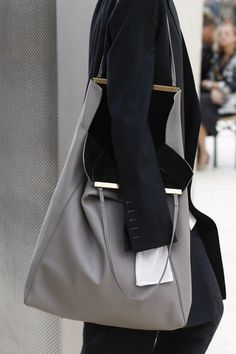 Céline - Spring 2017 Ready-to-Wear                                                                                                                                                                                 More