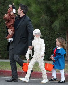 Ben and Jen Leave the Costumes at Home For Trick-or-Treating: Violet Affleck dressed up as a mummy while Seraphina went as Madeline.