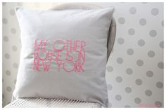 """Kissen - Coussin """"My other house is in New York&quo... - ein Designerstück von poetzie bei DaWanda"""