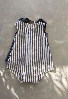 Adorable little girl rompers are cozy, gorgeous fashions for babies. You'll discover rompers for little one little girls from our trendy Oragnic Baby Rompers Baby Outfits, Cute Outfits For Kids, Toddler Outfits, Baby Girl Fashion, Toddler Fashion, Kids Fashion, Girls Rompers, Toddler Rompers, Baby Rompers