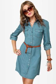Cute Denim Dress - Shirt Dress - Chambray Dress from Lulu*s. Saved to Fall Fashion. Denim Fashion, Look Fashion, Fashion Outfits, Fall Fashion, Dress Fashion, Street Fashion, Fashion Trends, Frock Design, Denim Shirt Dress