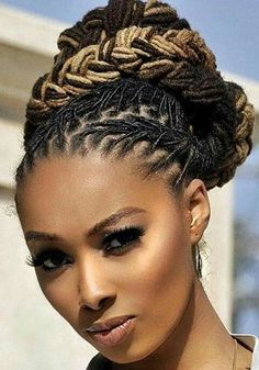 36 wedding hairstyles for locs Dreadlock Styles, Dreads Styles, Curly Hair Styles, Pelo Natural, Natural Hair Care, Natural Hair Styles, Natural Dreads, Natural Updo, Dreadlock Hairstyles