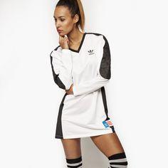 ADIDAS BLUZA PP DRESS, cena 249,99 zł [AA3885] - Damskie Bluzy - sklep internetowy GALERIA MAREK