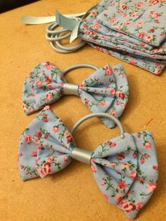 Beautiful blue floral fabric bows in the making Blue bows, making bows, handmade hair bows, crafting, floral bows, girls bows, love hair, hair, fashion
