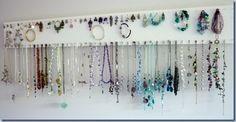 Simple jewellery organiser