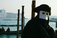 The history behind venetian masks...