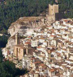 Castillo de Alcalá del Júcar de origen almohade (siglos XII y XIII) #Albacete España.