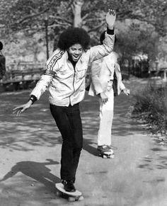 - Jackson having fun on the roll -    ------ --- ------  http://www.saltypeaks.com/blog/2012/08/celebrities-with-skateboards-part-1.html