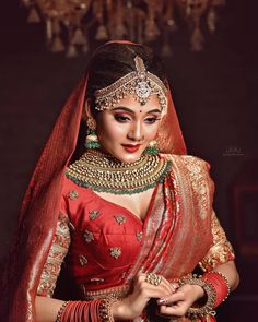 Bridal Portraits like this are our Personal Favourites. Indian Wedding Photography Poses, Bride Photography, Bridal Poses, Bridal Portraits, Bengali Bridal Makeup, Desi Girl Image, Indian Wedding Bride, Bengali Bride, Indian Bridal Outfits