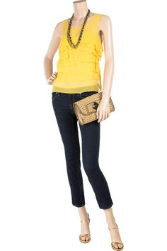yellow sleeveless top, skinny jeans, great necklace and shoes