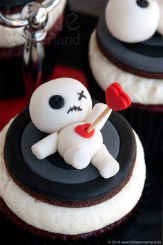 Muñequitos vudú para decorar cupcakes   Voodoo dolls to decorate cupcakes
