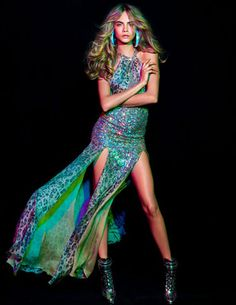 In a mermaid dress. is listed (or ranked) 18 on the list The 25 Hottest Cara Delevingne Photos Holographic Dress, Holographic Fashion, Iridescent Fashion, Look Fashion, Fashion Models, Fashion Show, Green Fashion, Milan Fashion, Unique Fashion