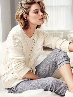 Cozy Outfits Ideas For Lazy Days outfit of the day_white knit sweater and grey pants Lazy Day Outfits, Cute Outfits, Womens Clothing Stores, Clothes For Women, Golf Clothing, Loungewear Outfits, White Knit Sweater, Home Outfit, Sleepwear Women