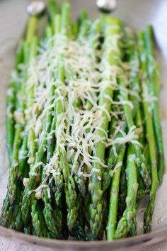 Skillet Parmesan Asparagus – the easiest asparagus recipe ever! 10 mins on skillet then topped with Parmesan cheese, healthy and tasty! Easy Asparagus Recipes, Parmesan Asparagus, Asparagus Skillet, Easy Delicious Recipes, Tasty, Yummy Food, Healthy Recipes, Weeknight Recipes, Vegetable Side Dishes