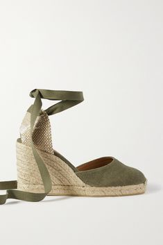 There's no limit to the amount of times you'll wear Castañer's 'Carina' espadrilles through summer. This pair is made from durable olive-green canvas and set on a jute wedge heel. Fasten the ties into bows just above the ankle. Fashion Advice, Fashion News, Seaside Style, Senior Trip, Army Green, Wedge Heels, Olive Green, Shoes Sandals, Espadrilles