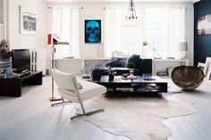 Een nieuwe week betekent natuurlijk nieuwe kansen en wij vonden het een geschikt moment op deze prachtige woonkamers met je te delen. Het is de ruimte waar we waarschijnlijk de meeste tijd in doorbrengen, dus misschien ook de ruimte die de meeste aandacht vergt qua interieur. Wij zijn verliefd op de stoere witte variant! Happy […]