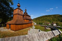 The Greek Catholic wooden church of St Nicolas from 1658 in Eastern Slovakia (Bodruzal). The log building consists of three parts. Its shingle roof is dissected and has three little towers. Carpathian Mountains, Big Country, Chapelle, Bratislava, Place Of Worship, World Heritage Sites, Czech Republic, Prague, The Good Place