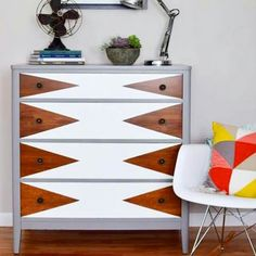 idee deco coffre - The Weathered Door: Before & After: Mod Triangle Dresser Makeover Refurbished Furniture, Paint Furniture, Repurposed Furniture, Furniture Projects, Furniture Makeover, Home Furniture, Furniture Design, Plywood Furniture, Furniture Dolly
