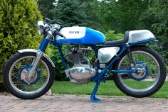 I really want this ducati cafe racer, so sweet.