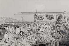 """Quarantacinque fotografi in una dimora fantastica. È il senso della mostra """"Blow up - Fotografia a Napoli 1980-1990"""" che da sabato 20 dicembre alle 11 risplenderà nei saloni di Villa Pignatelli (Riviera di Chiaia 200). In quella che oramai è diventata la ca"""