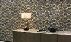 A vinyl wallpaper collection full of big designs with worldly influences, in unexpected colour combinations that leave no one untouched. Peacock Wallpaper, Vinyl Wallpaper, Arte Wallcovering, Cafe Art, Latest Wallpapers, Big Design, Made To Measure Curtains, Creative Colour, Motif Floral