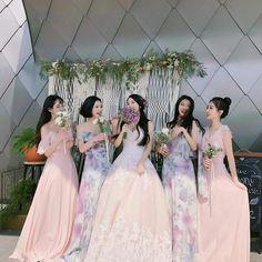 Hunnam hunnyeo🌱 Req pict hunnam or hunyeo,vsco tutorial ala hunnam hunyeo,good food comment and vote.thanks babe. Mode Ulzzang, Ulzzang Korean Girl, Ullzang Boys, Ulzzang Girl Fashion, Couple Ulzzang, Bff Girls, Korean Best Friends, Girl Friendship, Korean Wedding