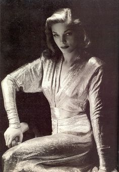 Lauren Bacall wearing a stunning V net fitted evening dress with belt to accentuate her waist. A glamorous dress, perfect to show of Lauren bacalls slim figure. Old Hollywood Glamour, Golden Age Of Hollywood, Vintage Glamour, Vintage Hollywood, Hollywood Stars, Classic Hollywood, Humphrey Bogart, Lauren Bacall, Divas