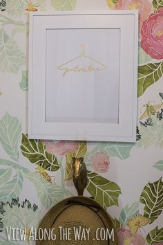 Free printable -- 'Put on love' with a clothes hanger. LOVE!